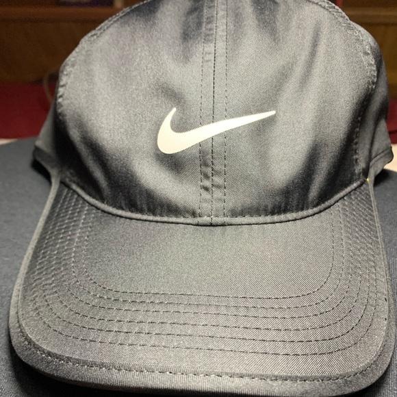 47f0d3cd5d449e Nike Accessories | Drifit Featherlight Areobill Baseball Cap | Poshmark